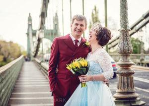 Wedding photography on Hammersmith Bridge